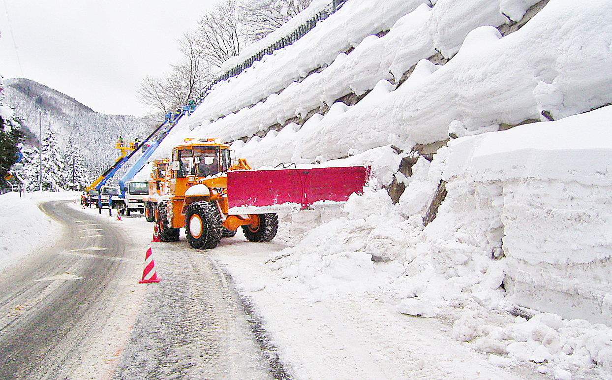 角館国道維持補修工事除雪1