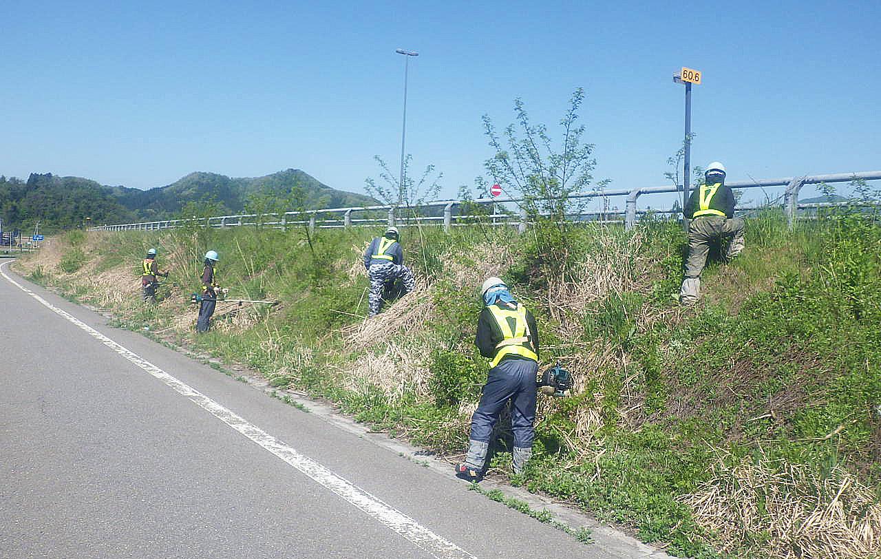 令和2年角館国道維持補修工事草刈り