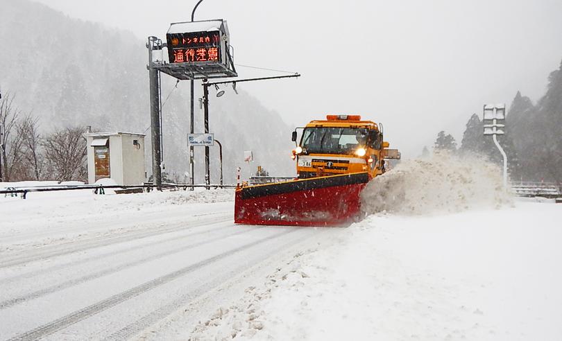 令和2年角館国道維持補修工事除雪